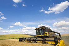 全国农作物耕种收综合机械化率超过67%(图)