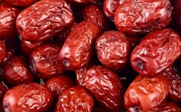 吃红枣拉肚子是怎么回事?吃红枣拉肚子怎么办呢?[图]图片1