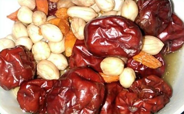 红枣花生汤的做法?怎么做红枣花生汤?[多图]图片1