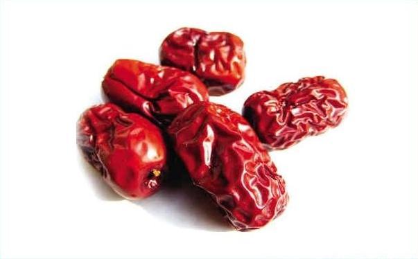 红枣和枸杞一起泡水喝的功效?红枣和枸杞一起泡水喝的好处?[图]图片1