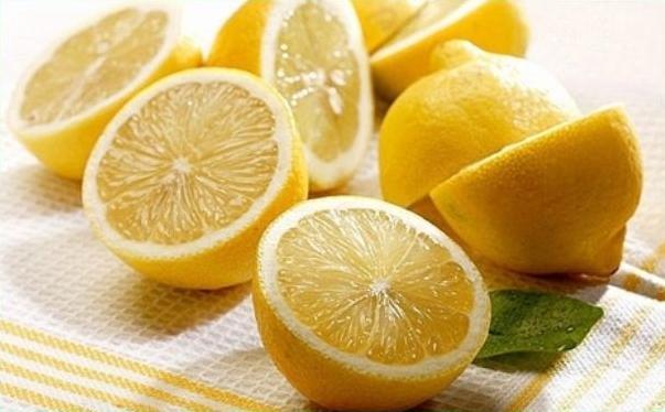 柠檬能去黑头吗?柠檬面